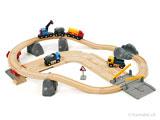 BRIO - Holzeisenbahnen-Anlage mit Zug, Bahnübergang, Strassen,  LKW's,
