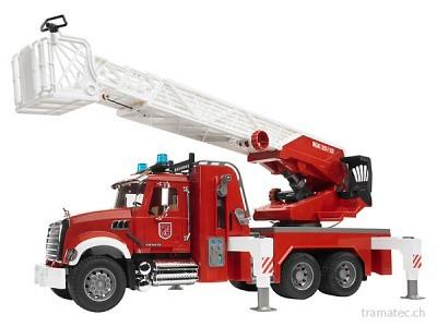 Bruder MACK Granite Feuerwehr mit Drehleiter, Wasserpumpe + Light&Sound Modul