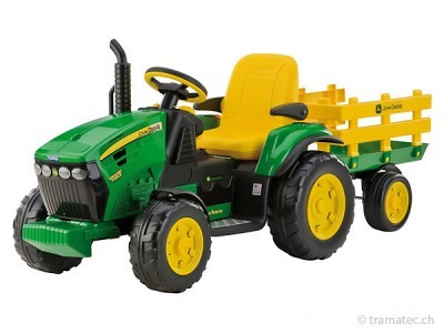 Peg-Pérego John Deere Ground Force mit Anhänger
