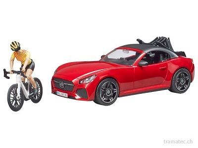 Bruder Roadster mit 1 Rennrad und Radfahrerin